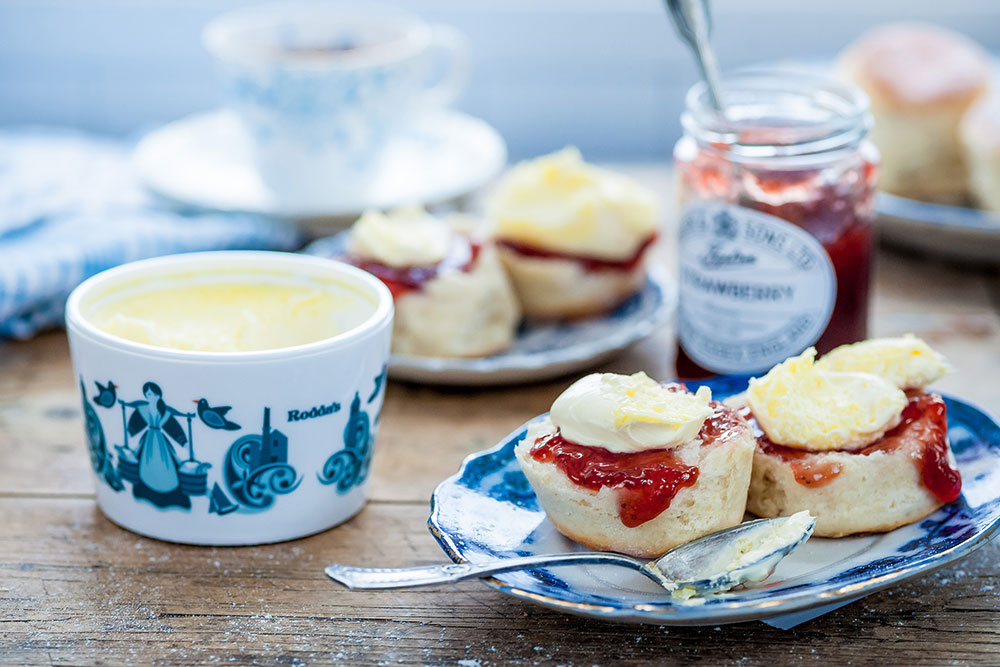 cream teas roddas scones