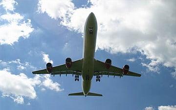 Concorde flying